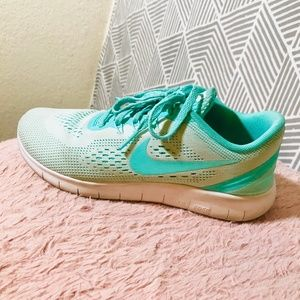 Tiffany Blue Nike Running Shoes